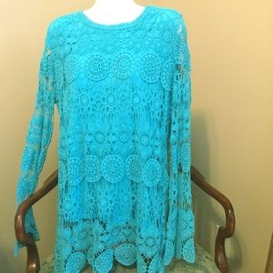 Beautiful Crocheted TOP with lining! Size LARGE